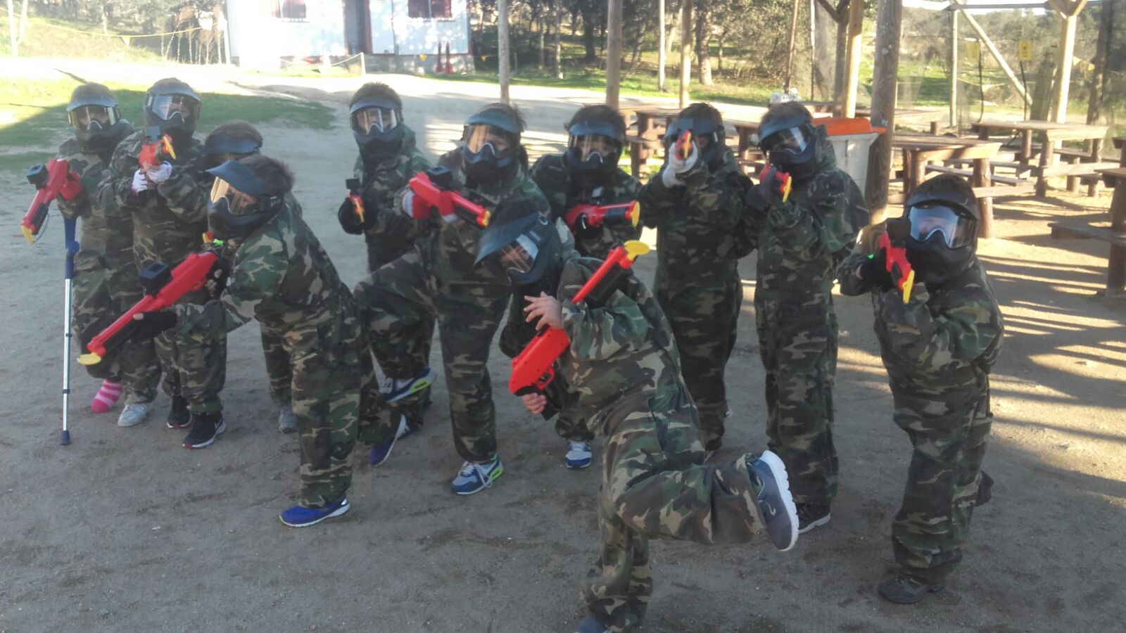 Tu mejor oferta jugar paintball infantil en madrid megacampo for Megacampo paintball madrid oficinas madrid