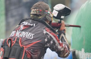 Jugador solo de paintball de megacampo madrid